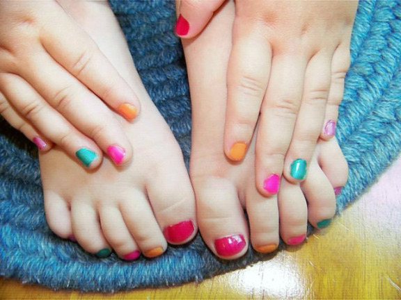 Combo pedicure and manicure kids