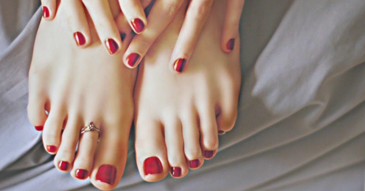 Polish toes